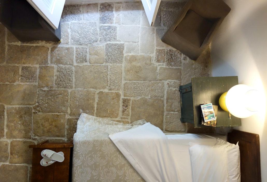 Box doccia con sassi come realizzare un piatto doccia in mosaico